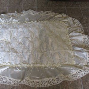 Quilted Pillow Sham Lace Border   25 X18